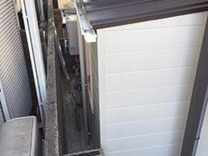 大山崎町のリビングリノベーション。リビングの窓の外の裏スペースに、洗面室を増築します。