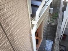 大山崎町のリビングリノベーション。増築した部分との境目は雨漏りにつながらないようにきっちり施工します。