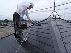 長岡京市の屋根外壁塗装リフォーム。屋根の重ね塗り3回目