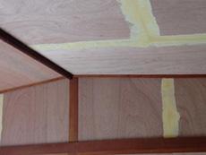 2階の和室の天井と壁です。砂壁だった壁はクロス張りになります。