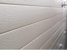 大山崎町の外壁屋根塗装リフォーム。外壁の3回目が塗り終わりました。ライイオンホームでは、ローラー手塗の3回塗りが基本です。