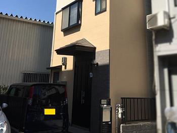 大山崎町の外壁屋根塗装リフォーム。完成後の外観です。汚れに強いこの塗料は、壁についた排気ガスなども雨水で流れます。