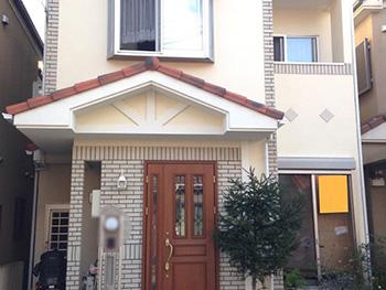 長岡京市の外壁塗装リフォーム。塗装後の外観です。まるで新築のようです。