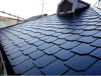 長岡京市の屋根外壁塗装リフォーム。屋根の塗装が完成しました。とても美しい仕上がりです。