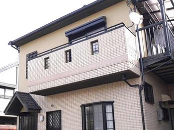 長岡京市の屋根外壁塗装リフォーム。塗装が完成した外観です。