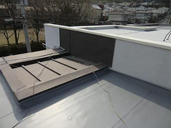 大山崎町の屋上防水リフォーム。ピカピカに完成しました。安心の10年保証です。