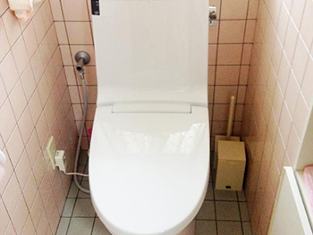 長岡京市のトイレリフォーム。リフォーム後の便器です。