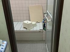長岡京市のお風呂浴室リフォーム。タイル張りのお風呂でした。