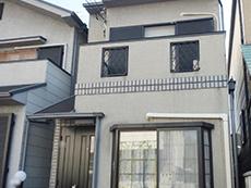 長岡京市の外壁屋根塗装リフォーム。リフォーム前の外観です。