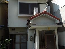 長岡京市の外壁屋根塗装リフォーム。塗装前の外観です。