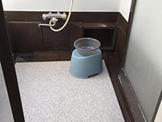 お風呂浴室リフォーム。洗い場の床も乾きにくいようです。