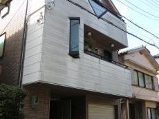 大山崎町で外壁塗装リフォーム。外観を下から撮った写真です。