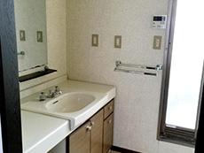 お風呂浴室リフォーム。リフォーム前の洗面室。