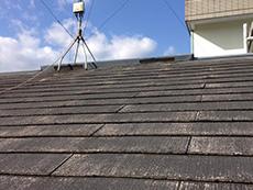 西京区の外壁、屋根塗装リフォーム。リフォーム前の屋根です。