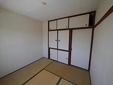 長岡京市の中古マンションリノベーション。リフォーム前の和室。