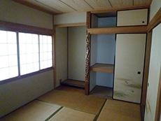 長岡京市の中古住宅リフォーム。リフォーム前の2階は、和室と洋室合わせて3部屋ありました。