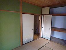 長岡京市の中古住宅リフォーム。リフォーム前の2階の和室です。
