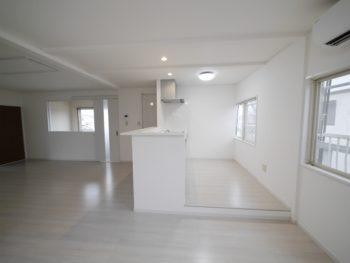 長岡京市の二世帯住宅リフォーム。リフォーム後のキッチンです。