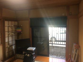 向日市の中古住宅リノベーション。リフォーム前の1階の和室です。1階のガレージの奥にある部屋です。